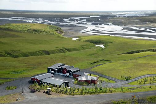 Hrifunes Guesthouse - Kirkjubaejarklaustur - Outdoors view