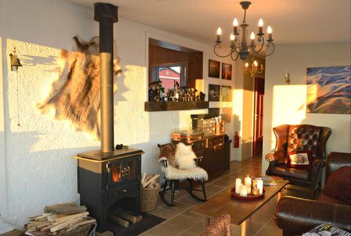 Hrifunes Guesthouse - Kirkjubaejarklaustur - Living room