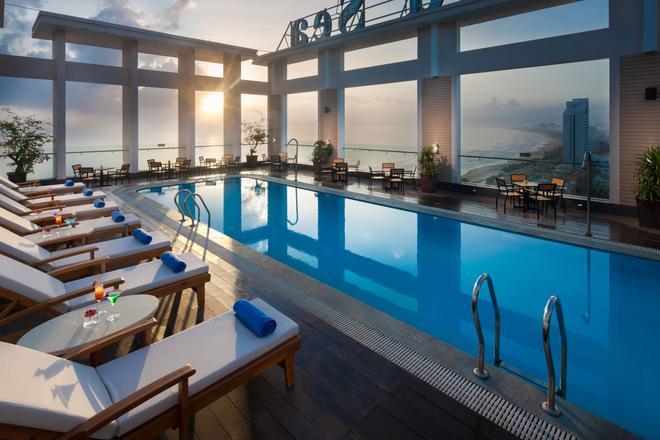 Diamond Sea Hotel - Da Nang - Piscina