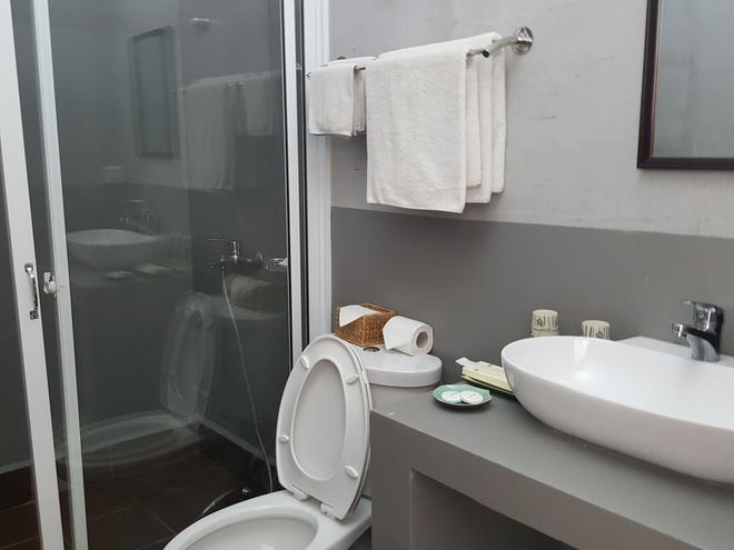The Little Garden Boutique Hotel - Phnom Penh - Bathroom