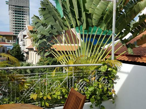The Little Garden Boutique Hotel - Phnom Penh - Balcony
