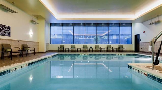 Hilton Garden Inn Seattle Downtown, WA - Seattle - Pool