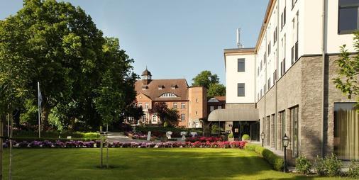 Schloss Basthorst - Crivitz - Outdoors view