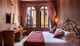 Hotel Tiziano - Venedig - Schlafzimmer