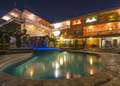 Cahal Pech Village Resort - San Ignacio - Piscina