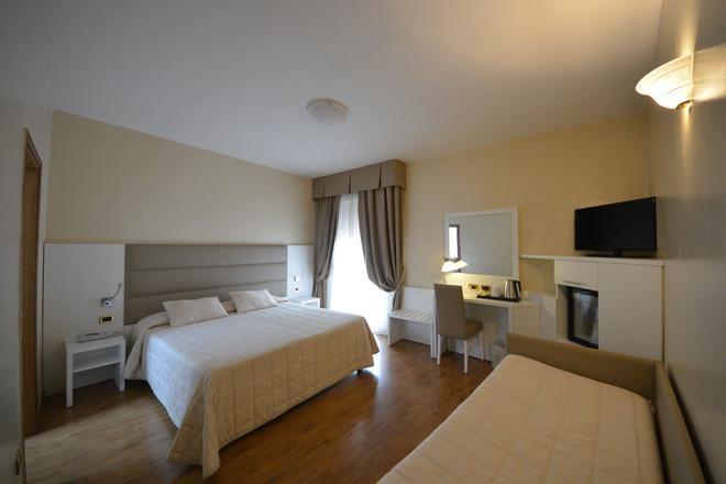 Hotel University - Bolonia - Habitación