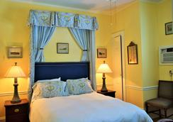 Bellevue Manor - Newport - Bedroom