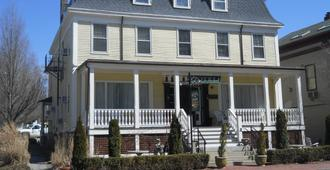 Bellevue Manor - Newport - Edificio
