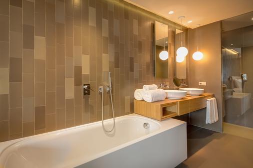 Ohla Eixample - Barcelona - Bathroom
