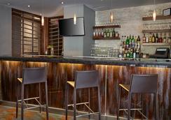 Matrix Hotel - Edmonton - Lounge