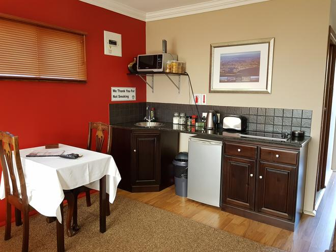 Crooked Tree Cottage - Durban - Comedor
