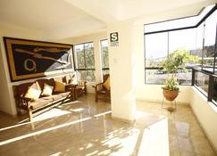 La Mansion Casa Hotel - Andahuaylas - Wohnzimmer