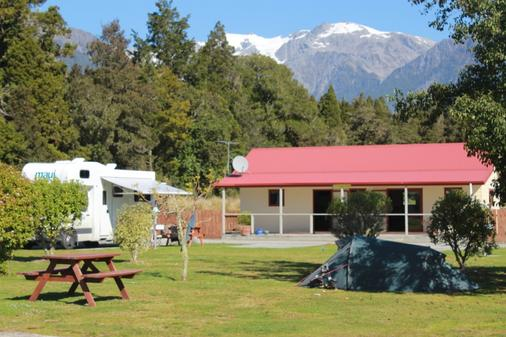 Franz Josef Top 10 Holiday Park - Franz Josef Glacier - Patio