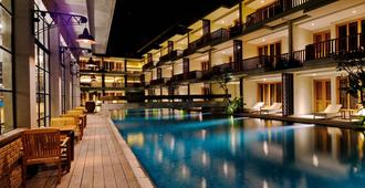 The Haven Suites Bali Berawa - North Kuta - Building