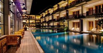 The Haven Suites Bali Berawa - North Kuta - Edificio