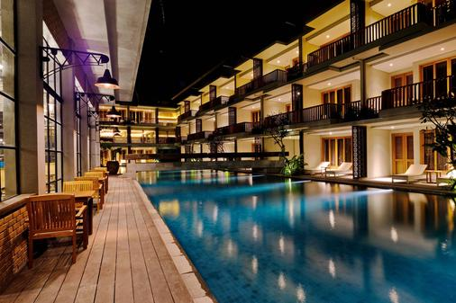 The Haven Suites Bali Berawa - North Kuta - Building
