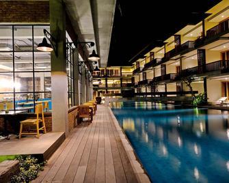 The Haven Suites Bali Berawa - North Kuta - Gebäude