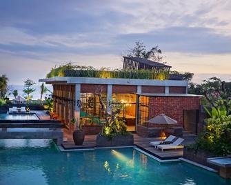The Haven Suites Bali Berawa - North Kuta - Pool