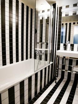 Hôtel Eiffel Blomet - Paris - Phòng tắm