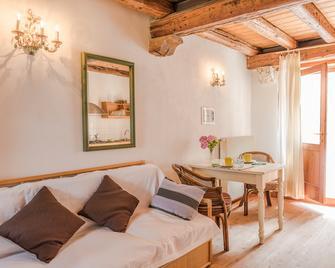 Agriturismo Casa de Bertoldi - Belluno - Living room