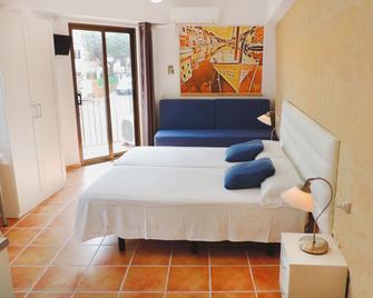Marblau Hostal - Cala Figuera - Bedroom