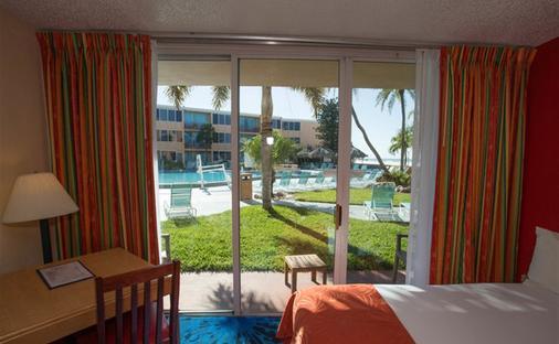 Dolphin Beach Resort - Saint Pete Beach - Bedroom