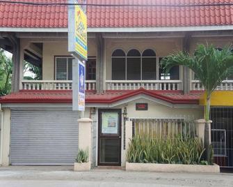 CASA Sandoval Pension House - Bais City - Edificio