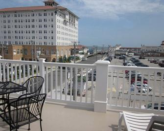 Ocean Manor 1100 Inn - Ocean City - Balcón