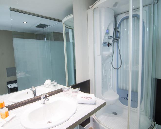 Petit Palace Arenal - Madrid - Bathroom