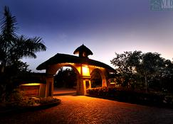 Vedic Village Spa Resort - Calcuta - Edificio