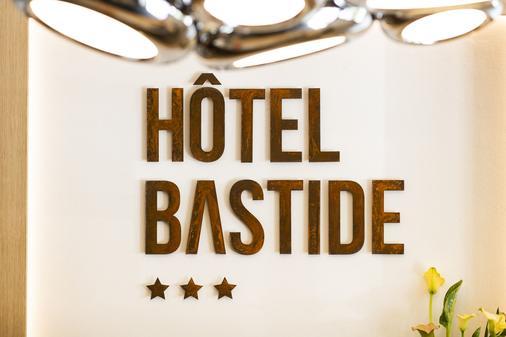 Hotel Bastide - Onet-le-Château - Front desk