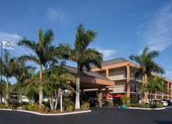 Days Inn by Wyndham Sarasota Bay - Sarasota - Building
