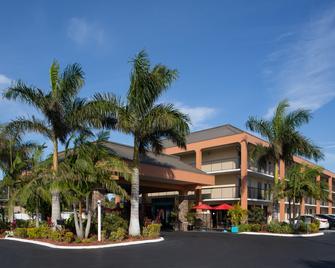 Days Inn by Wyndham Sarasota Bay - Sarasota - Toà nhà