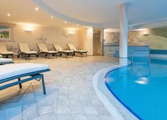 Saldur Small Active Hotel - Schluderns - Pool