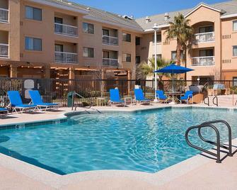 Courtyard by Marriott Las Vegas Henderson/Green Valley - Henderson - Πισίνα