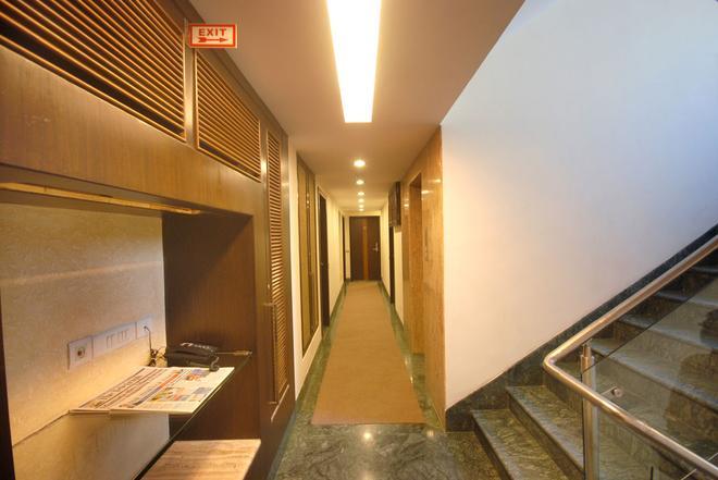 Hotel Metropole - Kolkata - Tiền sảnh