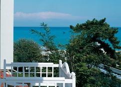 Suite Hotel Maestrale - Riccione - Βεράντα