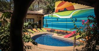 Tamarindo Backpackers - Tamarindo - Pool