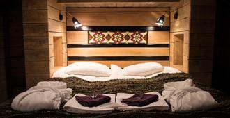 جيست هاوس 1x6 - كيفلافيك - غرفة نوم