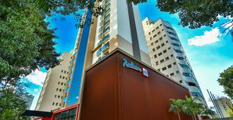 Radisson RED Campinas - Campinas - Building