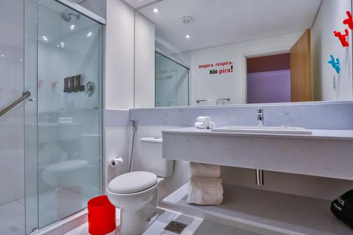 Radisson RED Campinas - Campinas - Bathroom