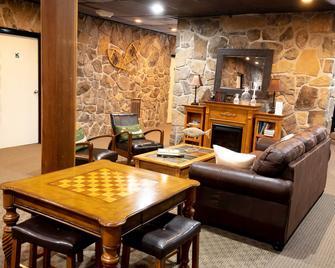 Inn at Deep Creek - Oakland - Sala de estar