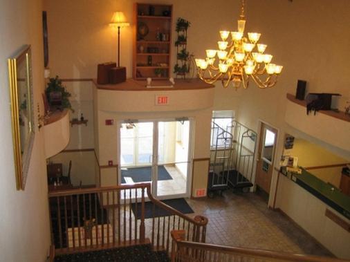 Fairbridge Inn & Suites, Miles City - Miles City - Front desk