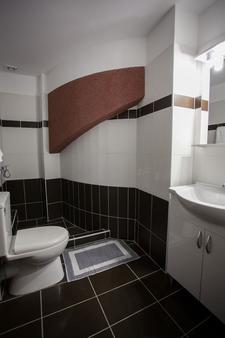 安博夏套房公寓酒店 - 雅典 - 雅典 - 浴室