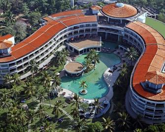 Occidental Paradise Dambulla, a member of Barceló Hotel Group - Dambulla - Building