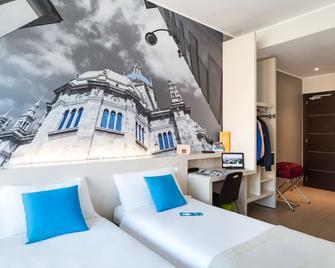 B&B Hotel Como - Como - Schlafzimmer
