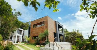Lodge365 - Imbituba - Edificio