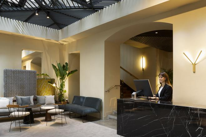 ICON Embassy by Petit Palace - Madrid - Front desk