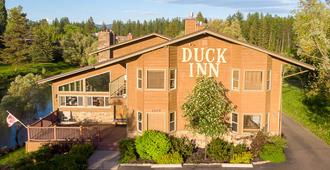 Duck Inn Lodge - Whitefish - Building
