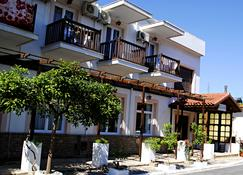 Ξενοδοχείο Ανθούσα - Σάμος - Κτίριο